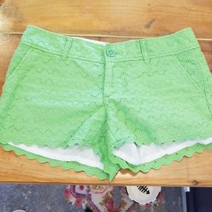 Lilly Pulitzer green scalloped edge shorts